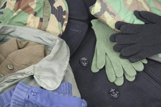 gloveshats